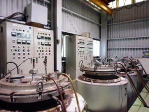 ピット型電気炉